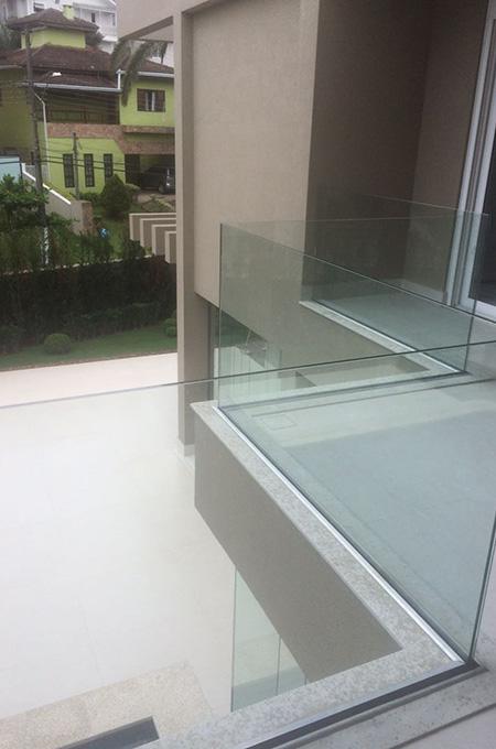 guarda-corpo-em-vidro-04